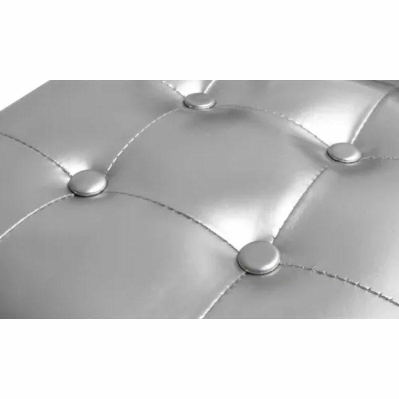 Kuipstoel met voetenbankje kunstleer zilverkleurig